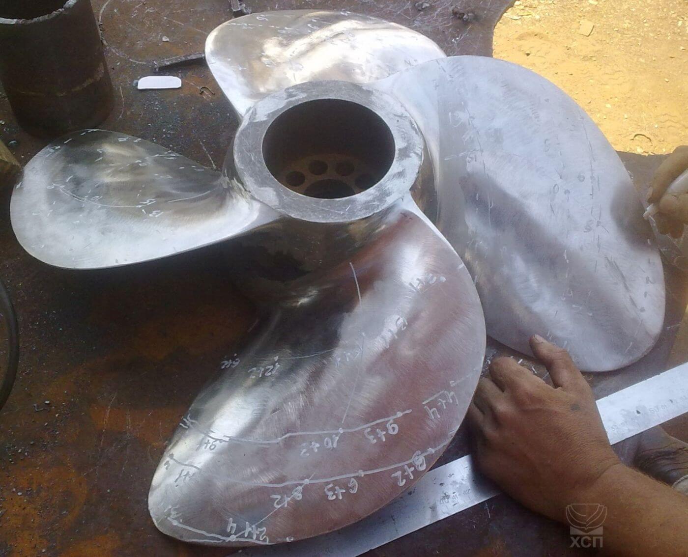 Проверка геометрии гребного винта для винто-рулевой колонки SCHOTTEL после сборки и полировки лопастей