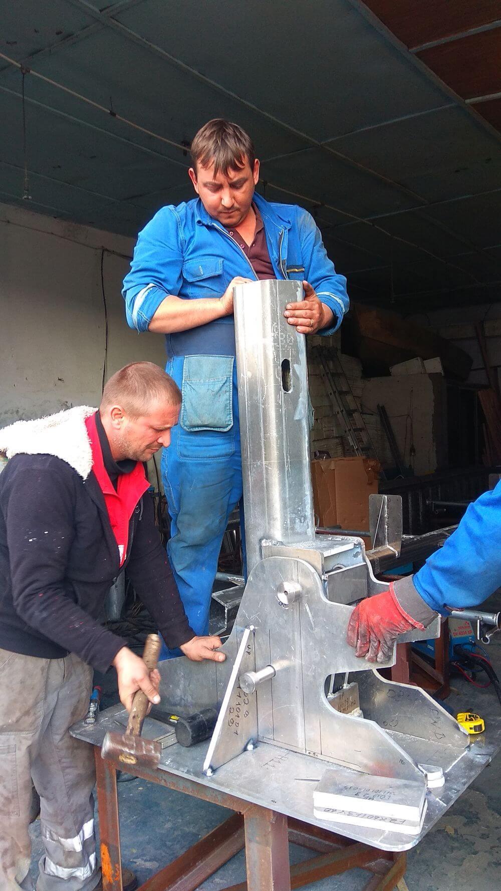 Изготовление устройства для заваливания мачты для ООО СП Нибулон